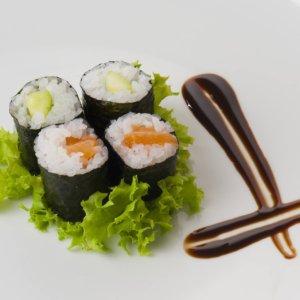 Oyishi Sushi & Wok sushi