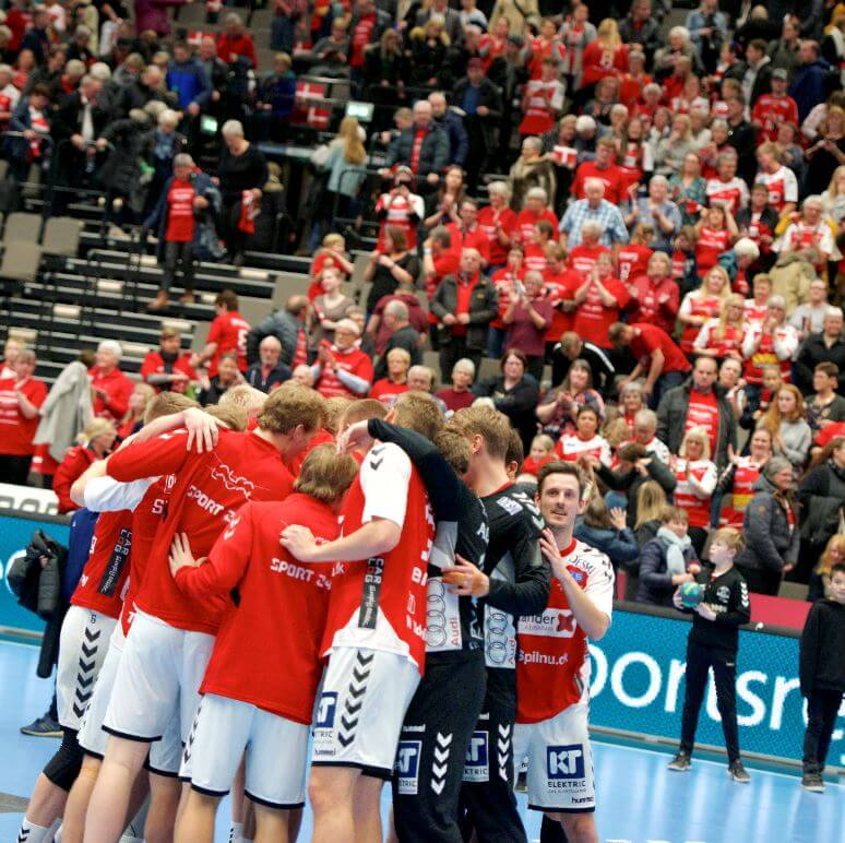 Aalborg-håndbold-holdet.jpg