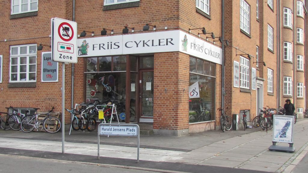 Friis-Cykler-butik2-1.jpg