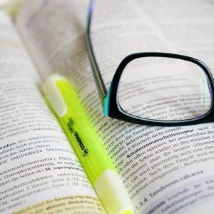 glasses-272399_1920.jpg