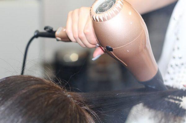 hairdressing-1516345_640.jpg