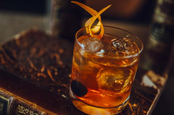Bar plata drink